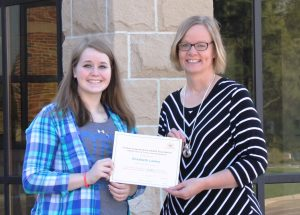 Elizabeth Lasley Receives Scholarship